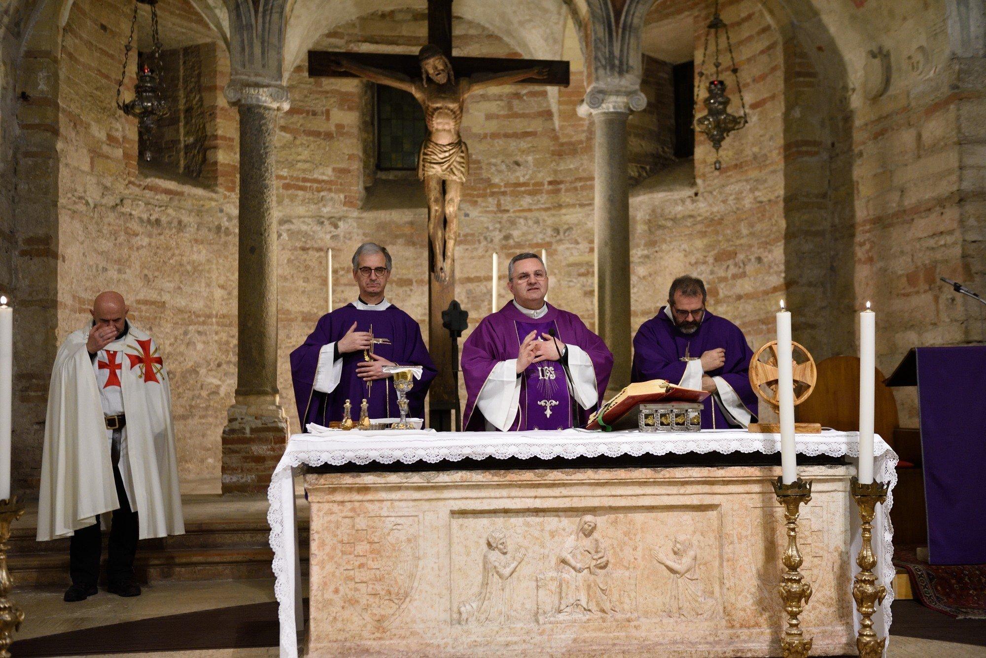 Chiesa di San Fermo - Verona - Templari Cattolici foto 07
